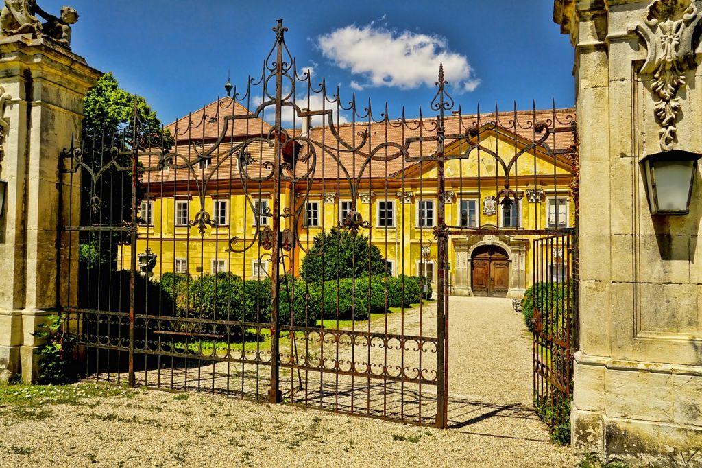 portail chateau metal